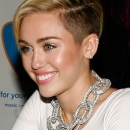 miley-cyrus-events_281429~0.jpg
