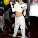 miley-cyrus-events_282629.jpg