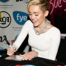 miley-cyrus-events_282729.jpg