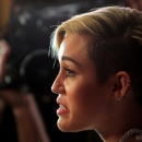 miley-cyrus-events_28829~0.jpg